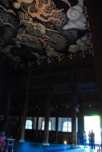 天井画と明かり