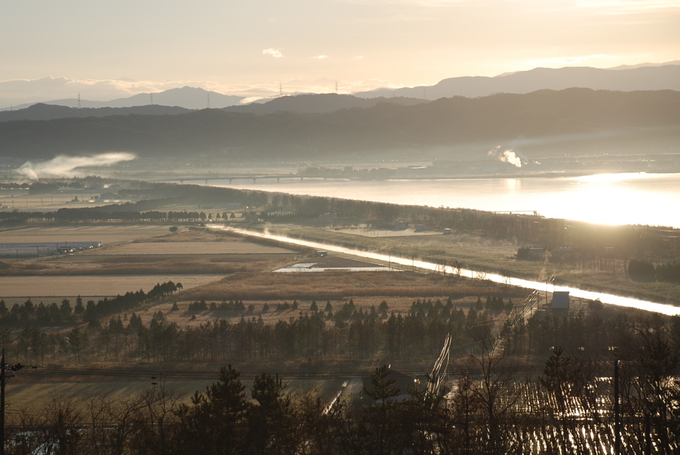 朝霧の河北潟