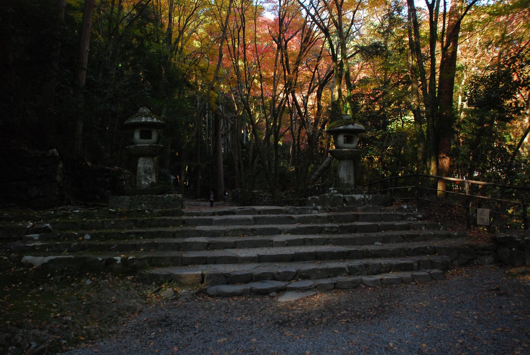 高山寺入り口